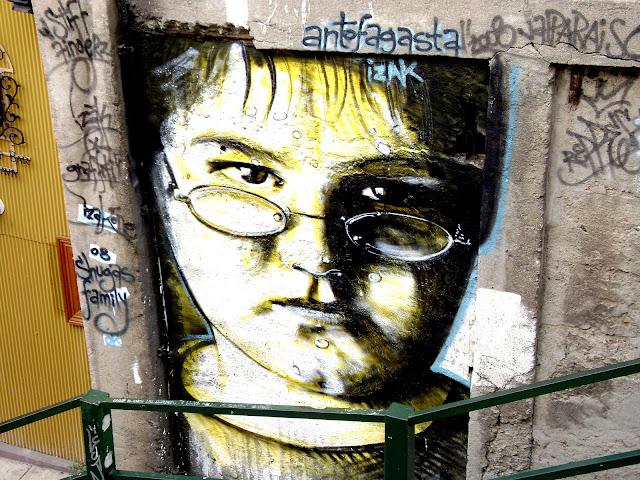 graffiti de izak en valparaiso, chile
