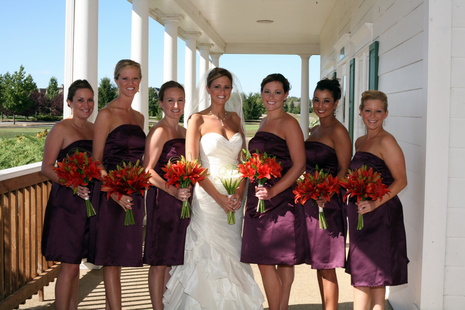 Love the orange bouquets!
