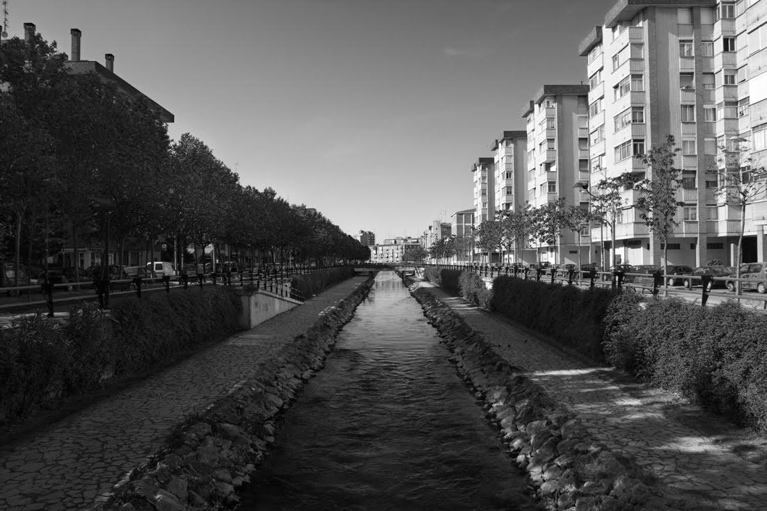 Nuria mongil manso el r o esgueva for Gimnasio rio esgueva