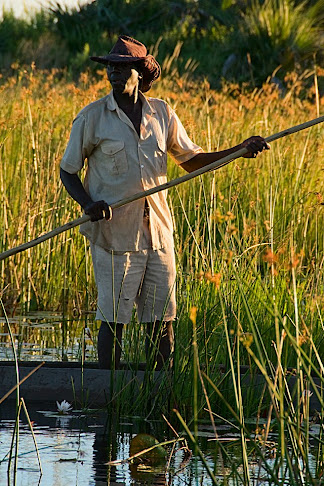 Mokoro poler, Okavango Delta, Botswana © Matt Prater
