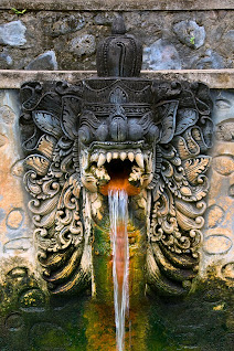 Fountain at the hot springs in Banjar, Bali, Indonesia © Matt Prater