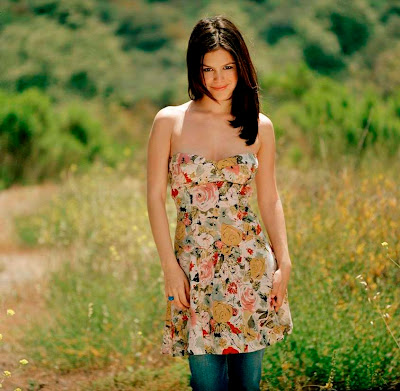Beautiful and Hot Rachel Bilson