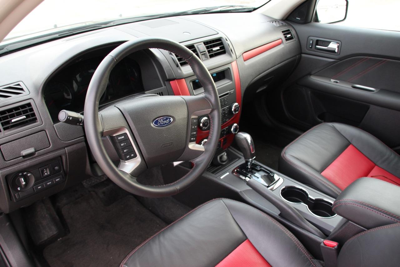 http://2.bp.blogspot.com/_zENnZobKPqM/SxJLi9SG5oI/AAAAAAAABwI/Q_0feA1y_tk/s1600/Trend+cars+sports+2010+Ford+Fusion.jpg