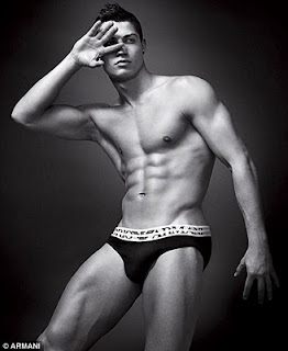 Really hot wallpapers 2011 of cristiano ronaldo