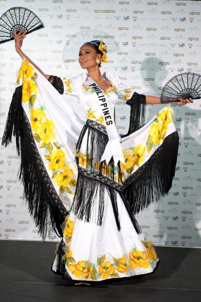 costume miss philippines venus raj presented her national costume with