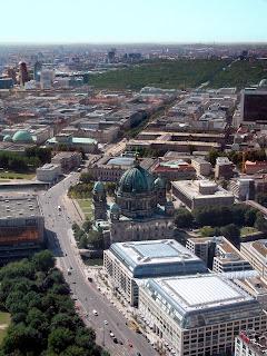 Unter den Linden von oben Berlín. La transformación de una ciudad
