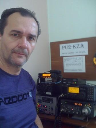 PU2KZA Carlos em sua estação na Praia Grande