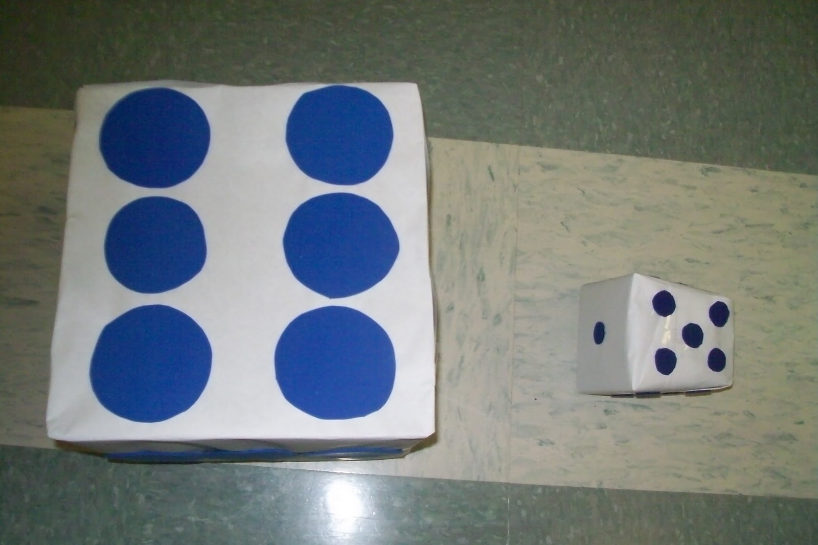 how to make a dice out of paper