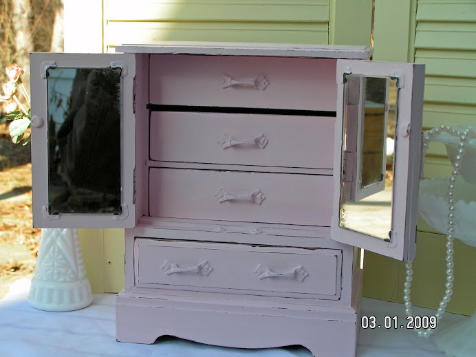 Vintage Jewelry Chest Re-Do