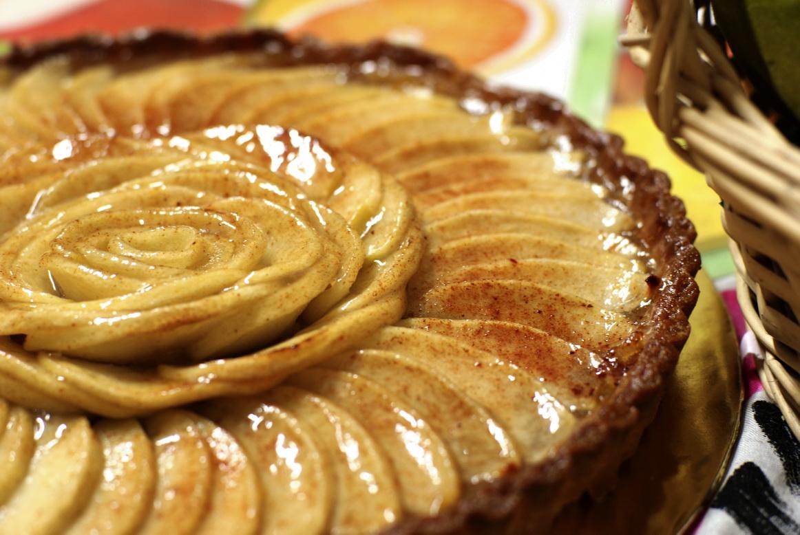 Petite Etoile: Classic French Apple Tart