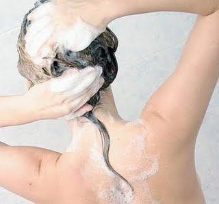 lavando-o-cabelo