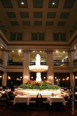 Chicago - Architecture & Cityscape: Walnut Room at Marshall Fields ...