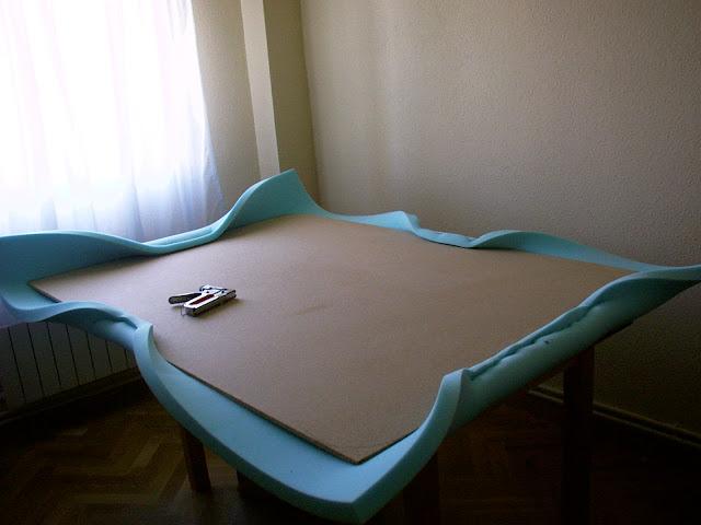 Nuestro cabecero de polipiel paso a paso - Como tapizar un cabecero de cama ...
