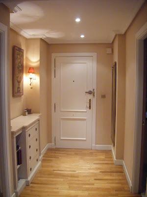 Pintar pasillo puertas blancas decorar tu casa es - Como pintar el pasillo de mi casa ...
