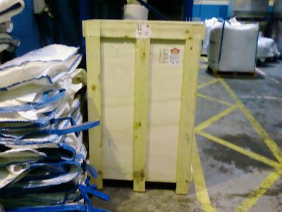 Un caj n de madera convertido en cubreradiador - Hacer un cubreradiador ...