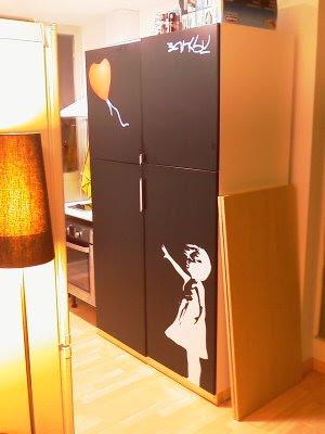 Ikea hack banksy en muebles de cocina for Como tunear muebles de ikea