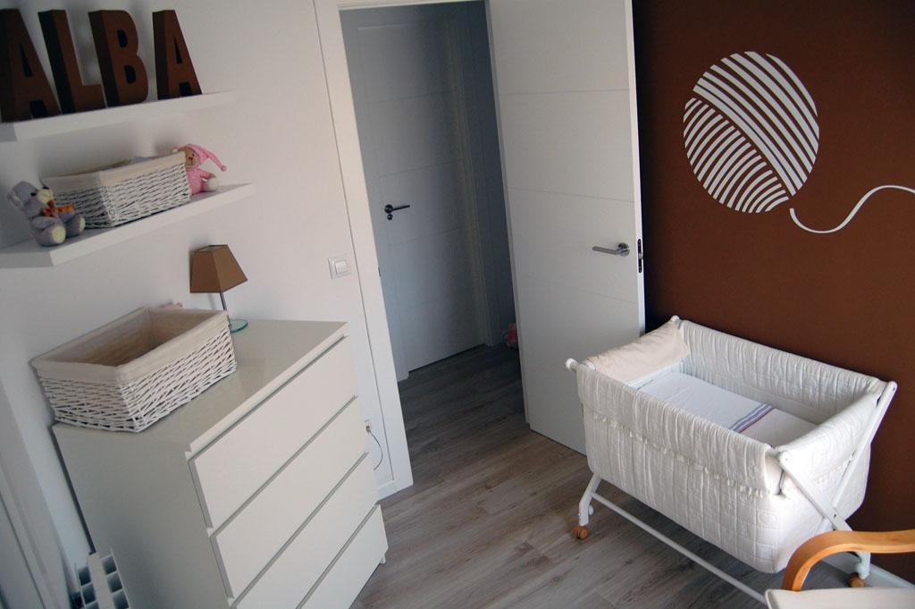 La habitaci n infantil de alba - Habitacion marron ...