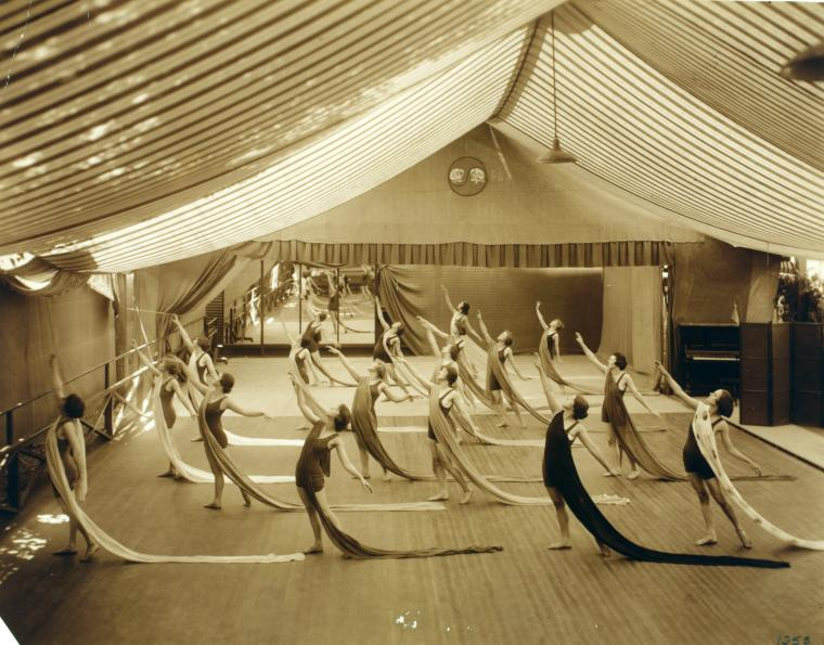 modern dance techniques and teachings Dance will include an emphasis on modern technique that expands the dancer  beyond  history of ballet dance (based on the school you are teaching) b.
