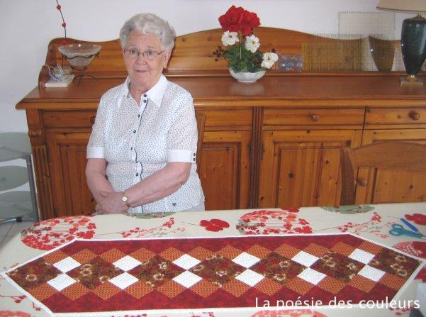 La po sie des couleurs chemin de table de marie - Chemin de table en patchwork ...