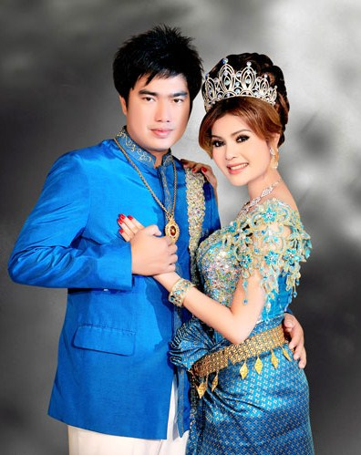 Sapphire Moon: Cambodian Wedding Outfits