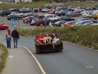Sofa Cars (Funny pics)