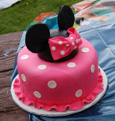 minnie mouse cupcakes. Mouse cakes - Minnie cake is