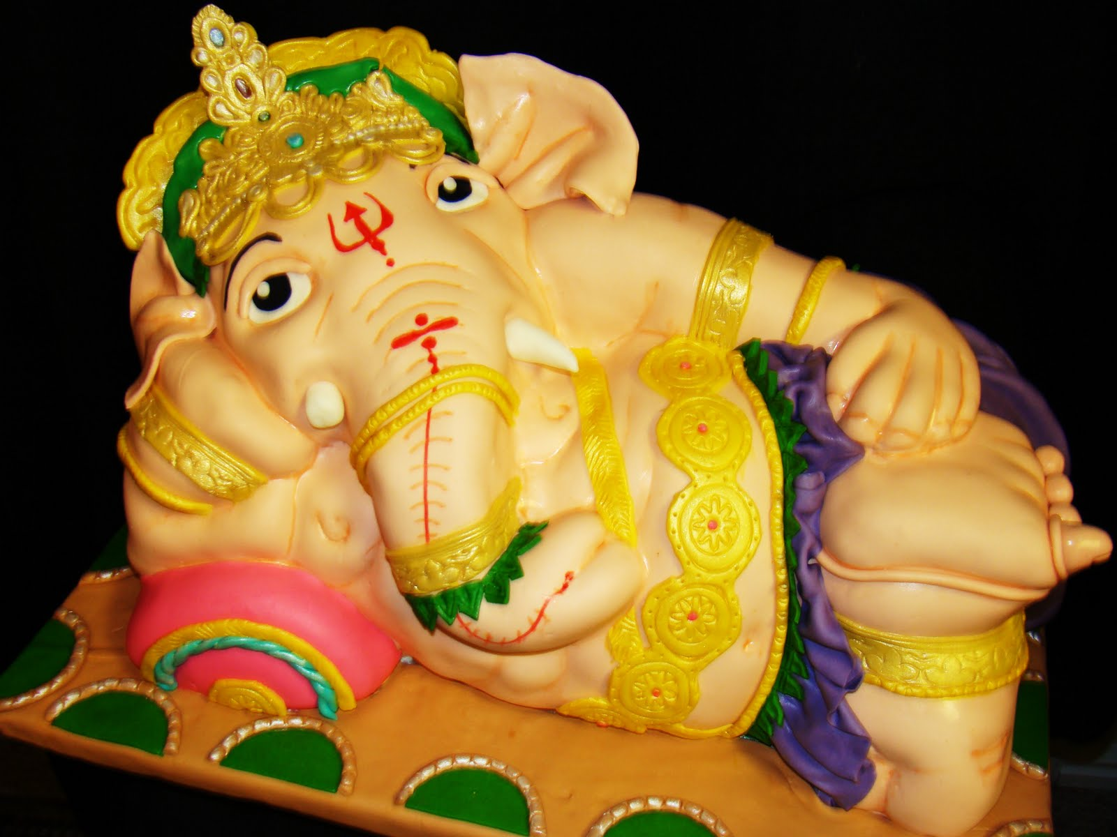 Layers of Love: Ganesha cake