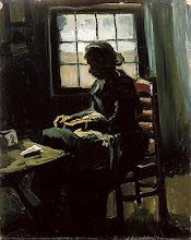 Há um silêncio na casa e eu vou caçando palavras vistas pela janela