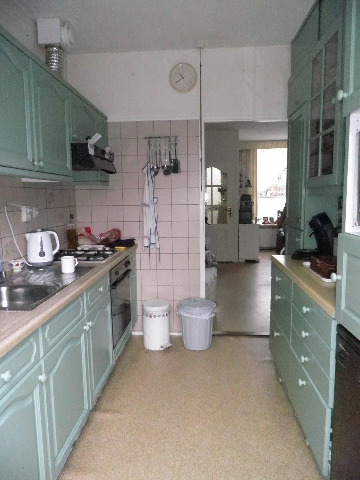 Bolusjes huis en honden oude keuken afbreken - Keuken in het oude huis ...