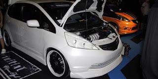 Modifikasi Mobil Honda Jazz 2