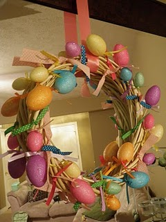 [egg+wreath]