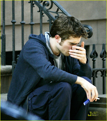 robert pattinson smoking pot. Robert Pattinson and Emilie de