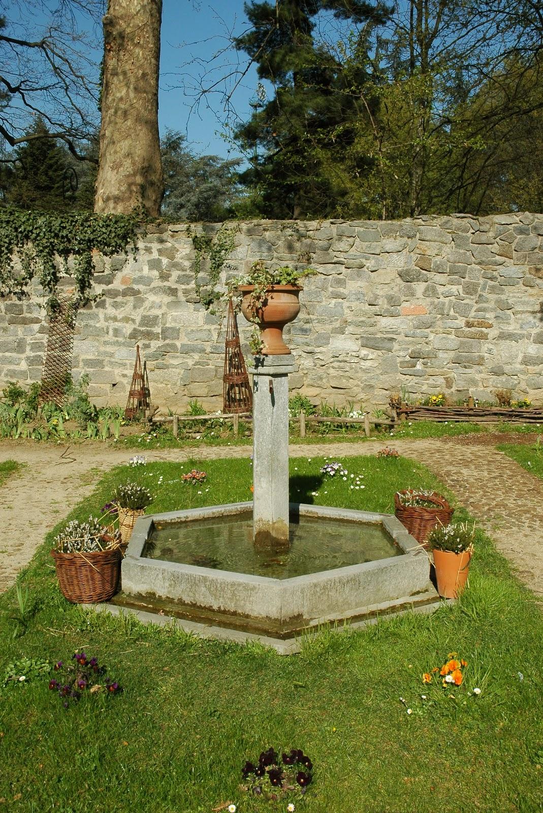 Un anno al giardino medievale di torino 2 parte - Giardino fiorito torino ...