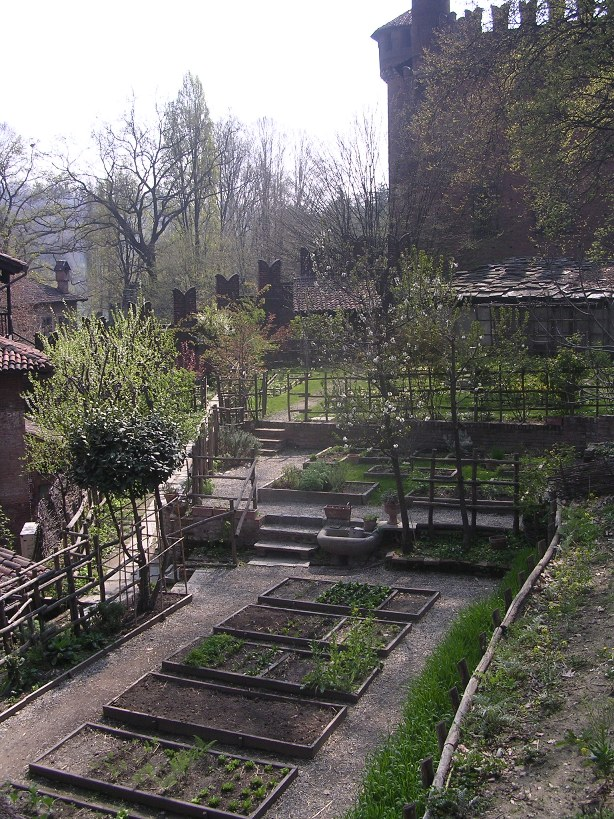 Un anno al giardino medievale di torino l 39 orto e gli - L orto in giardino ...