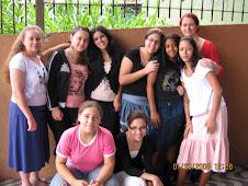 Um domingo na capela: Constância, Rafaela, Deborah, Tauny, Andressa, Eu, Paulinha. Bruna e Tamiris