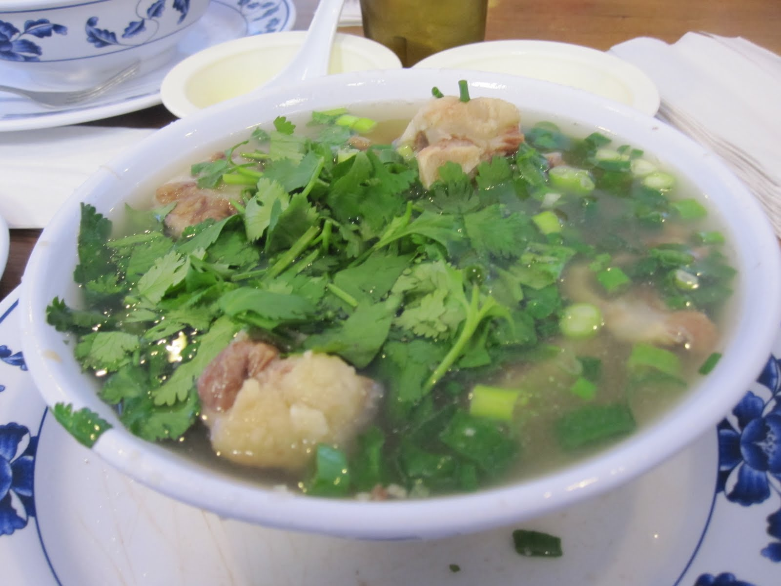 oxtail soup hawaiian oxtail soup 1 jpg bowl of oxtail soup broth ...