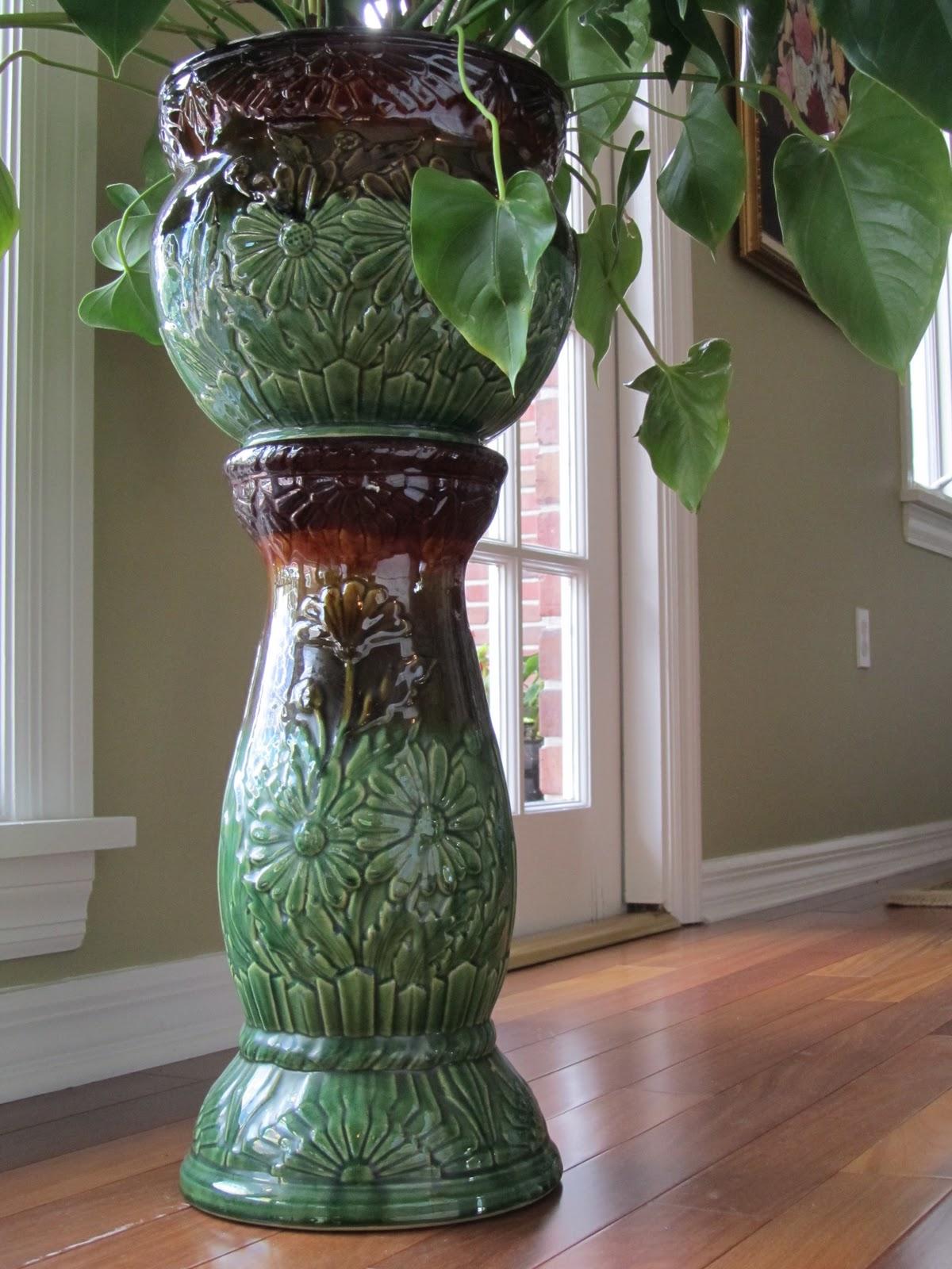 jardiniere design trendy jardinire en bton with jardiniere design elegant jardiniere design. Black Bedroom Furniture Sets. Home Design Ideas