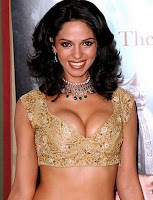 mallika sherawat cute photo