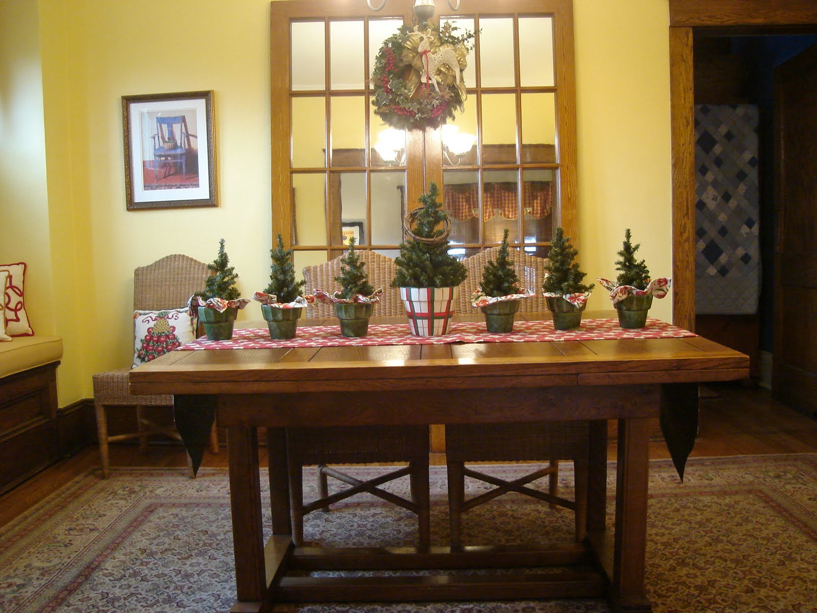 Days at buttermilk cottage dressing the dining room table for Dining table dressing