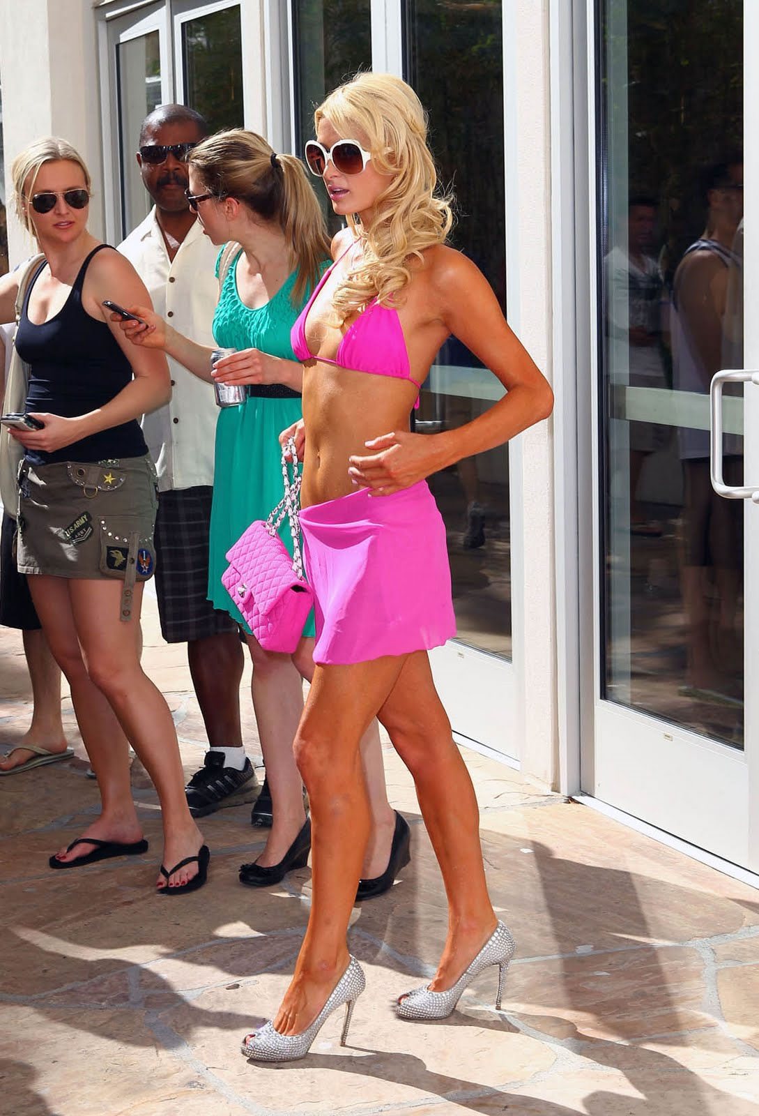 paris hilton pink bikini wrap 2 Gay Interracial, Interracial Gay Sex, Gay Interracial Porn, Interracial Gay ...