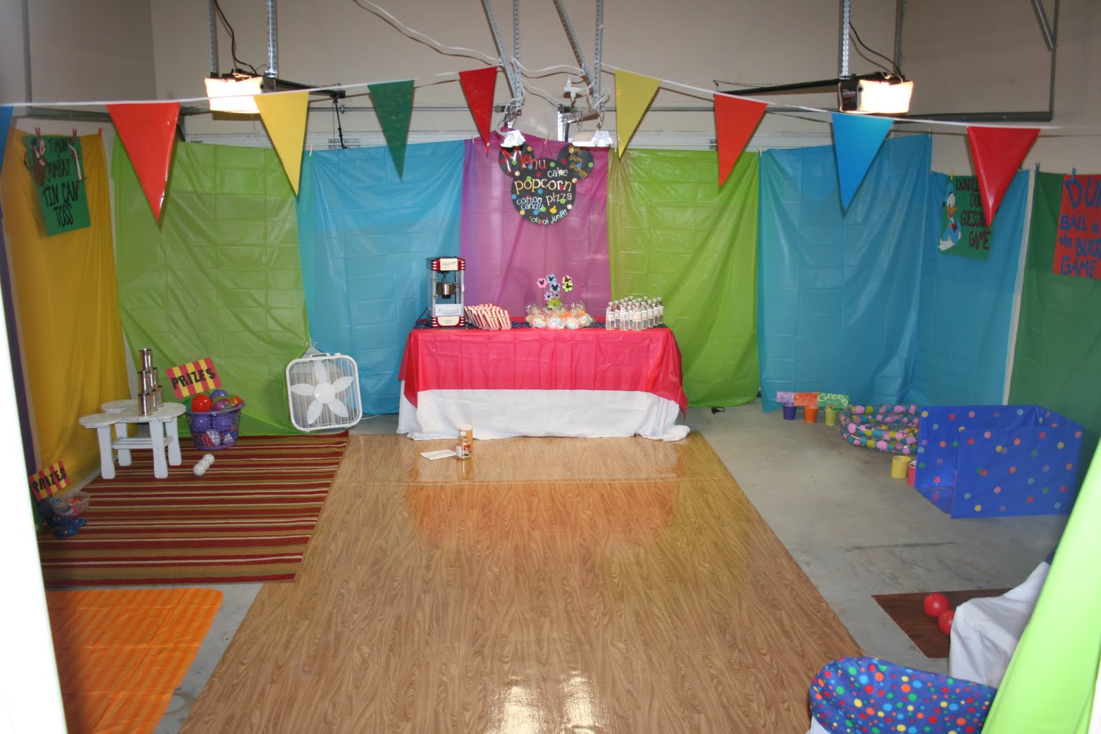 Impressive Indoor Carnival Birthday Party Ideas 1600 x 1067 · 166 kB · jpeg