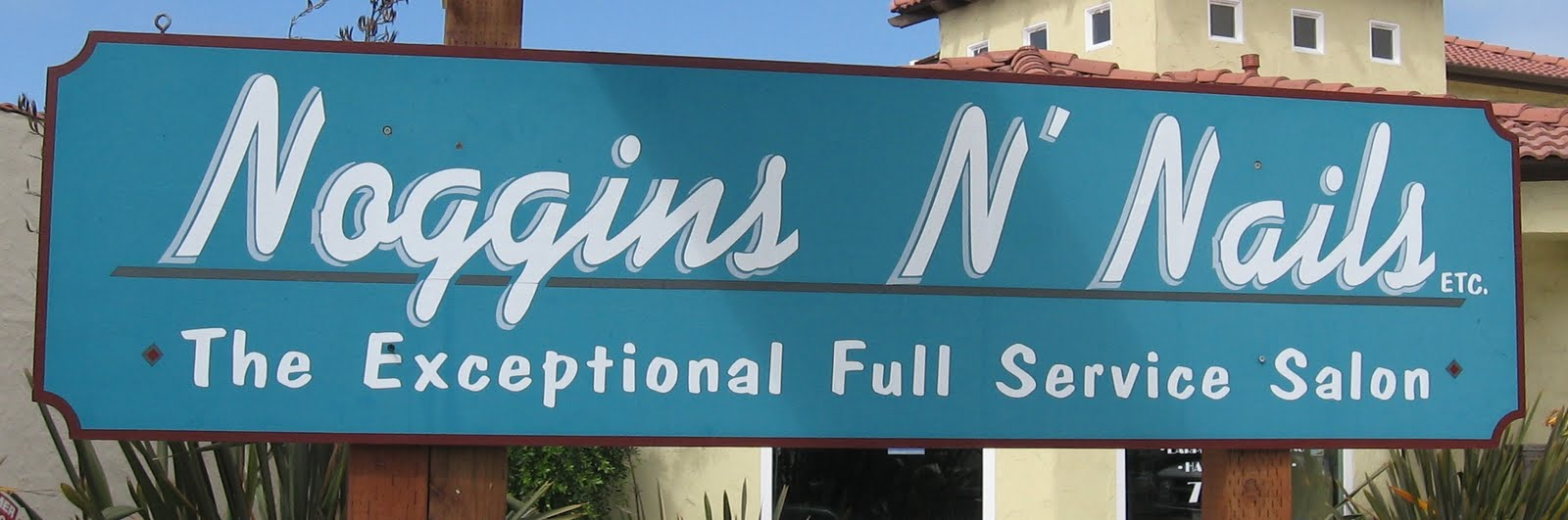 Life in Morro Bay: Review - Beauty Salon - Noggins N Nails