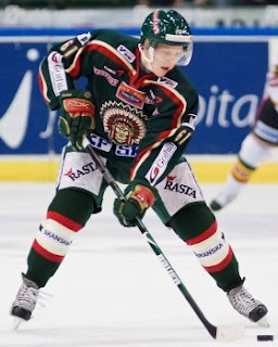 Lars Eller will swap Frölunda green for St. Louis blue next season (photo by Mikael Kreutz)