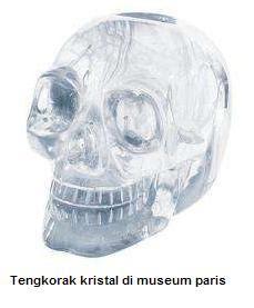 Tengkorak kristal di museum paris