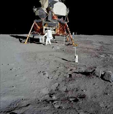 http://2.bp.blogspot.com/_ziPJWp4LX_o/SlDTwLdfjmI/AAAAAAAACXU/1Con4_HKIfw/s400/crater.jpg