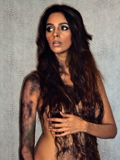 Bollywood sex bomb Mallika Sherawat goes topless for her fans