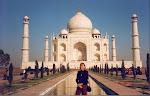 Gunvor framför Taj Mahal, Agra, Indien