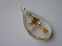 gold cross pendant