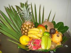 LES FRUITS COMMENÇANT PAR A Fruits+exotiques+ananas+grand