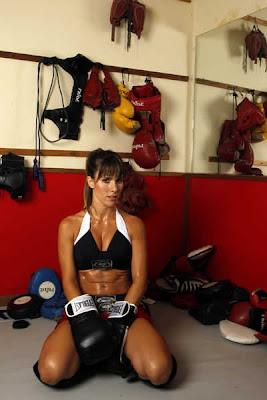 Fernanda Pontes: Barriga tanquinho